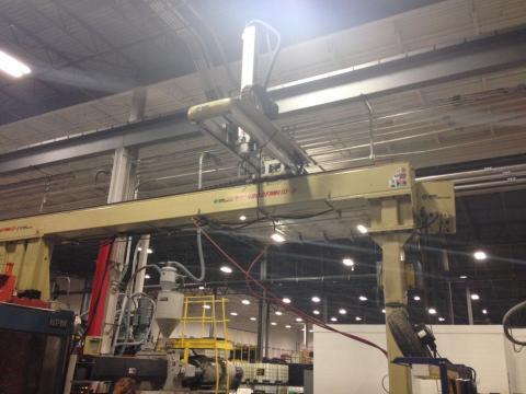 1994 1100 ton HPM 260 oz Injection Molding Machine