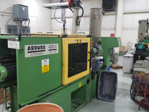 1995 110 ton Arburg 5.1 oz