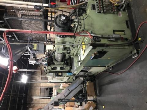 2000 Husky 330 ton HL300 Hylectric injection molding machine