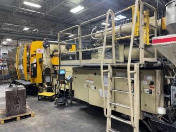 1994 Husky 825 ton GL750 129 oz. Injection Molding Machine