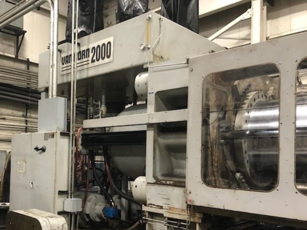 1998 2000 ton Van Dorn 400 oz. injection molding machine