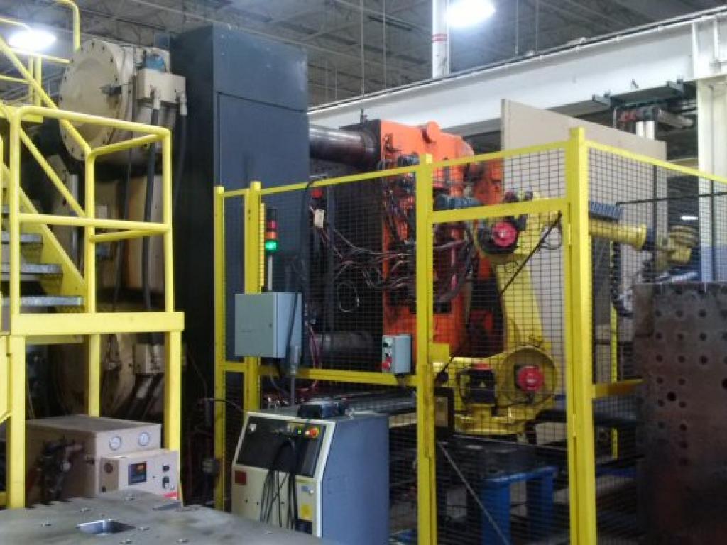 2003 2750 ton HPM, Wide Platen 400 oz